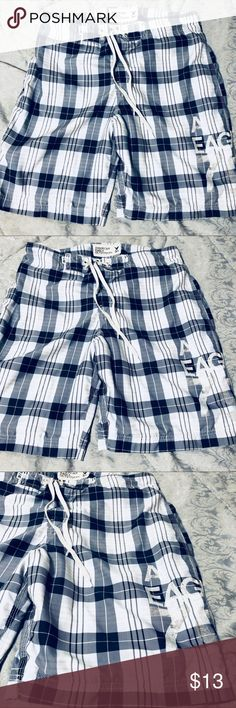 AEO Men Swimtrunks size 34 euc & boxers American Eagle Men's Royal-Navy blue & off white knee length swim trunks. Men's 34 waist is also adjustable a bit with draw strings and Velcro zipper..Velcro tight closing back pocket.inner mesh lining with keys$ hidden pocket..Great used condition my bf only wears BLACK.He refuses to wear anything I get and it's damn ridiculous.he wore these last summer(fresh water)2-3x bc he had no others at my house🙄. No holes, picks etc. last photo=color/pattern…