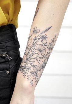 Black & Gray Flower Tattoos by Anna Bravo - List Inspire - Anna Bravo is Russian Tattoo Artist located in Paris. Her amazing black and gray flower tattoos ar - Neue Tattoos, Body Art Tattoos, Tatoos, Forearm Tattoos, Small Tattoos, Gray Ink Tattoos, Back Of Forearm Tattoo, Upper Thigh Tattoos, Forearm Sleeve