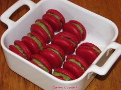 Hier, je vous ai donné la recette des Macarons ICI Pour fourrer nos macarons, il faut maintenant faire une ganache, et... Macarons, Smoothie Recipes, Vegetables, Desserts, Chefs, Biscuits, Dutch Oven, Kitchens, Bakken
