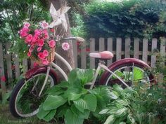 Love this old bike 'planter'. So whimsical!