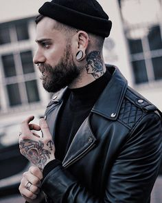 New piercing septum men gauges Ideas Hipster Outfits, Men's Piercings, Look Fashion, Mens Fashion, Outfits Hombre, Mein Style, Beard Tattoo, Tattoo Man, Sharp Dressed Man