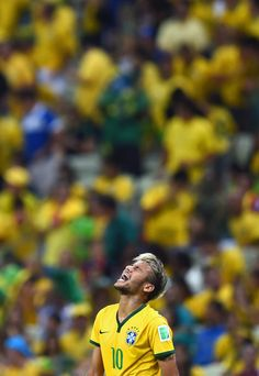 Neymar Photos - Neymar of Brazil reacts during the 2014 FIFA World Cup Brazil Quarter Final match between Brazil and Colombia at Castelao on July 2014 in Fortaleza, Brazil. - Brazil v Colombia: Quarter Final - 2014 FIFA World Cup Brazil Boyfriend Pictures, My Boyfriend, Neymar Brazil, Grilling Gifts, Old Trafford, Neymar Jr, Uefa Champions League, Manchester United, Cool Pictures