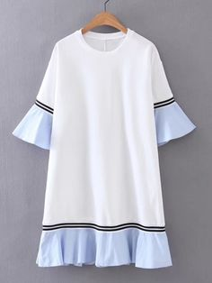 ¡Consigue este tipo de vestido informal de SheIn ahora! Haz clic para ver los detalles. Envíos gratis a toda España. Bell Sleeve Contrast Ruffle Hem Dress: White Casual Cute Cotton Blends Round Neck Short Sleeve Shift Short Ruffle Color Block Spring Fall Dresses. (vestido informal, casual, informales, informal, day, kleid casual, vestido informal, robe informelle, vestito informale, día)
