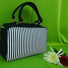 Lunch Box, Love, Instagram, Satchel Handbags, Purses, Fashion Accessories, Store, Amor, Bento Box