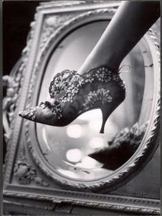 This lace heeled bootie is an example of the footwear during the period. Belle epoque
