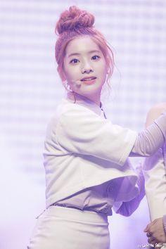 Kim Dahyun❁Twice 💫Cookie💫 Nayeon, The Band, Kpop Girl Groups, Korean Girl Groups, Kpop Girls, Daehyun, Rapper, Twice Korean, Twice Once