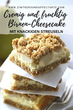 Pear cheesecake with crunchy crumbles - juicy-simple and delicious - Kuchen - Delicious Dessert Recipes Healthy Dessert Recipes, Easy Desserts, Baking Recipes, Desserts Sains, Dessert Simple, Fall Treats, Cheesecake Recipes, Simple Cheesecake, Bakery