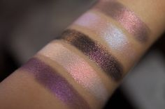 Tammy Tanuka Sigil Inspired Loose Mineral Eyeshadows. Eyeshadow Sample Stack: Enchanted Path. Стак - Зачарованный путь. The photo shows the