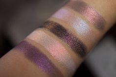 Tammy Tanuka Sigil Inspired Loose Mineral Eyeshadows. Eyeshadow Sample Stack: Enchanted Path. Стак - Зачарованный путь. The photo shows the