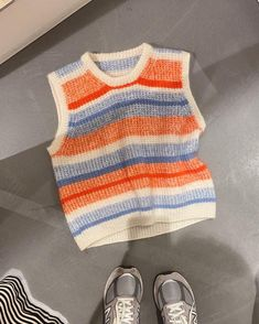 Anna's Cardigan - My Size – PetiteKnit Crochet Clothes, Diy Clothes, Cute Crochet, Crochet Top, Knit Fashion, Fashion Outfits, Raglan Pullover, Look Girl, Knit Vest