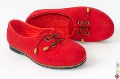 """Туфли из войлока ручной работы """"Коррида"""" – купить в интернет-магазине на Ярмарке Мастеров с доставкой Felt Boots, Moccasins, Slippers, Flats, Shoes, Fashion, Penny Loafers, Loafers & Slip Ons, Moda"""