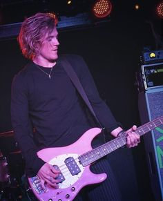Dougie Poynter, Sexy Men, Sexy Guys, Male Models, Hot Guys, Cool Outfits, Crushes, Menswear, Boys