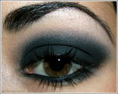 I think with blue eyes this look will be more dramatic! must try!
