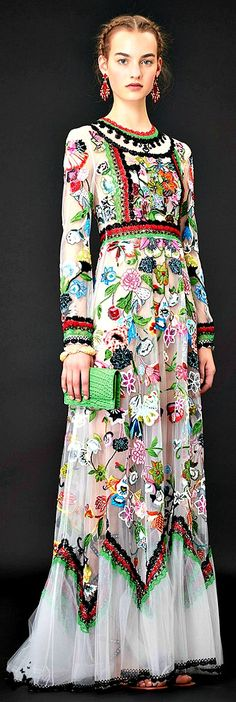 Valentino Resort 2015. This beautiful gown has echoes of early 20th century evening dresses - absolutely lovely!  Curleytop1.