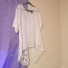 Cute top! Adorable top from buckle! Lightly used! Buckle Tops