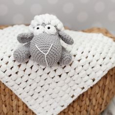 Lambie security blanket crochet pattern by Karapooz Crochet
