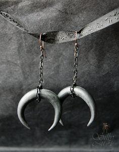 Schwarzer Mond - Ohrringe - Halbmond Mond, Victorian, Neovictorian, antik…