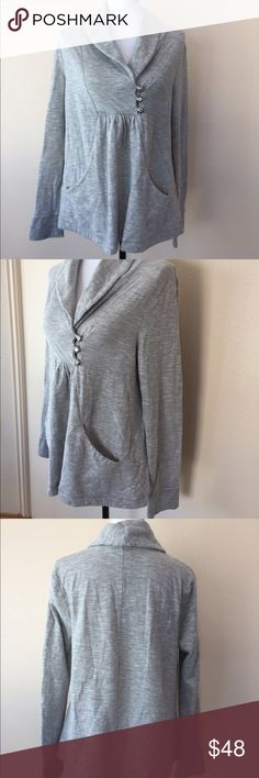 Anthropologie Saturday Sunday Gray 3 Button Top L Excellent condition! Anthropologie Tops Sweatshirts & Hoodies