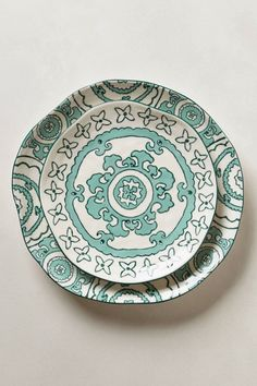 Anthropologie Gloriosa dinner and side plates - for the mantlepiece? Pottery Painting, Ceramic Painting, Ceramic Art, Ceramic Plates, Ceramic Pottery, Decorative Plates, Decorative Bottles, Plates And Bowls, Side Plates
