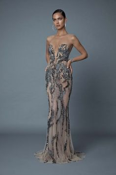 Sleek and sophisticated 2019 Evening collection - Style Evening Dresses Elegant Dresses, Pretty Dresses, Sexy Dresses, Evening Dresses, Fashion Dresses, Elegant Evening Gowns, Evening Gowns Couture, Designer Evening Gowns, Sexy Gown