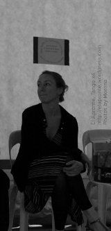 5a Feria del Libro de Río Ceballos, presentación del libro Historias que nos Siembran, de Lilah Ríos.  Marilú meditando antes de bailar.