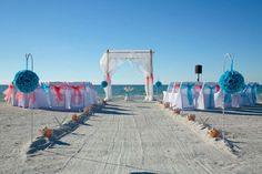 A Suncoast Weddings straight aisle with beautiful Pass-a-Grille beach wedding elegance