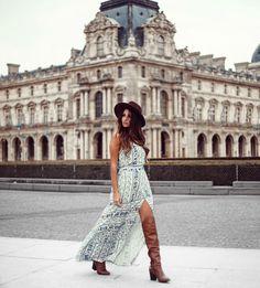 """""""Encantada com cada cenário. Que cidade maravilhosa é essa? Look lindo da nova coleção da @papayafashion Foto by @conradis"""""""
