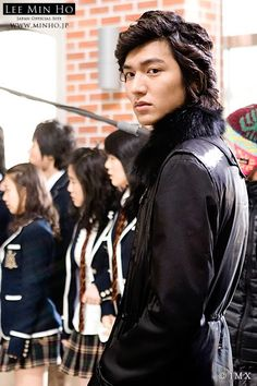 He played his character so well, he even looked good with his curly looking hair in Boys Over Flowers! So much love for his charm.