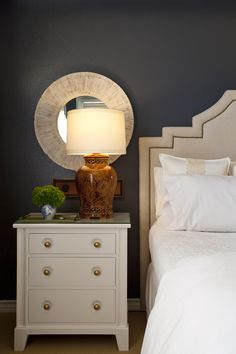 Web Gray 7075 by Sherwin Williams is similar.
