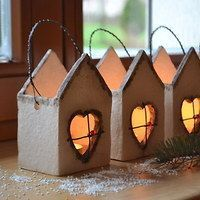 Great No Cost Clay pottery houses Ideas Inspirace Keramik / Waren Fler. Pottery Tools, Slab Pottery, Ceramic Pottery, Ceramic Art, Pottery Painting Designs, Pottery Designs, Clay Christmas Decorations, Christmas Crafts, Clay Projects