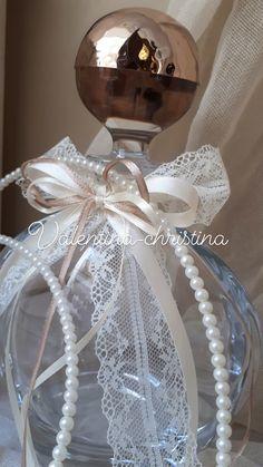 Wedding Sets, Christmas Bulbs, Perfume Bottles, Holiday Decor, Home Decor, Wedding, Decoration Home, Christmas Light Bulbs, Room Decor