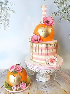 My Little Pumpkin Birthday - cake by Ann-Marie Youngblood - CakesDecor Pumpkin Birthday Cakes, Fall Birthday Cakes, Pumpkin Patch Birthday, Halloween First Birthday, Pumpkin Birthday Parties, Pumpkin First Birthday, Baby Girl 1st Birthday, Theme Halloween, Birthday Ideas