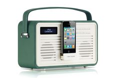 The perfect gift for Christmas - Emerald Green View Quest Retro DAB+ radio, with lighting or 30 pin dock for charge & play function #ViewQuest #SoundStyle