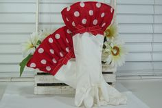 Red Polka Dot Dish Washing Cleaning Gloves to protect the manicure.