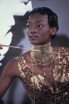 NECKPICE PLUS FACE GEMS femmequeens:  Oluchi Onweagba @ Christian Dior Spring/Summer...