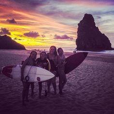 """@supyogabrazil's photo: """"Boa noite para quem está com a vida muito difícil e sofrida em Fernando de Noronha. As meninas do surfe que o digam. Foto das lindas @ligiachen , @eritabarros, @josianepalacio e @thais_chang. Essa é a vibe!"""""""