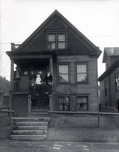 Old Milwaukee. THEN & NOW: Polish flat - Milwaukee, WI.
