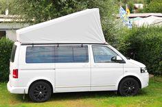 Schau Dir unsere CAMPcap´s an. Umgangssprachlich nennt man sie auch Mütze oder Kappe. Das CAMPcap schützt Dein Auftselldach. Im Sommer bleibt die Hitze draußen im Winter drin. Auch wenn es regnet kann das Dach offen bleiben. Keine lästigen Harzflecke mehr auf dem Dach. Gib dem Zeltbalg ein längeres Leben. Vw T5, Volkswagen, T5 Camper, T5 California, Peugeot, Camping Car, Campervan, Van Life, Vans