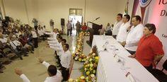 Periodismo sin Censura: EL GOBERNADOR TOMA PROTESTA A LA DIRECTIVA DEL SIN...