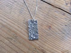 Times to Treasure @GrainneReynold1 Beautiful solid silver textured pendant on sterling silver chain £35 #CraftFlash pic.twitter.com/fq3vJzsJdq