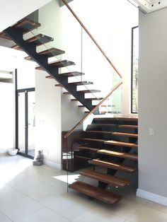 Kerala Houses, Glass Railing, New Homes, Stairs, Interior Design, Inspiration, Home Decor, Staircases, Modern Houses