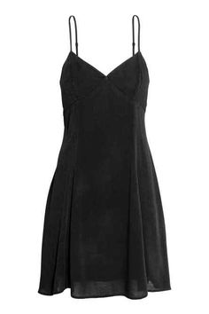 Short dress in woven, crêped viscose fabric. Narrow, adjustable shoulder straps, V-neck at front with shaped cups, and cut-out section and tie at Mode Outfits, Grunge Outfits, Fashion Outfits, Swaggy Outfits, Mode Vintage, Look Cool, Look Fashion, Clothing Items, Aesthetic Clothes