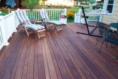 11 Keys to Staining Your Deck Like A Pro. This is an EXCELLENT article if you intend to refinish a deck or even a wood fence. Love the multicolored deck boards Outdoor Spaces, Outdoor Living, Outdoor Decor, Outdoor Ideas, Deck Colors, Deck Stain Colors, Pergola Plans, Pergola Ideas, Pergola Patio