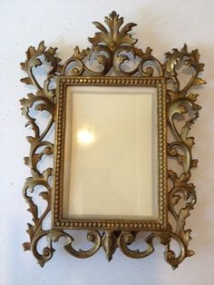Antique looking picture frames for part of centerpieces