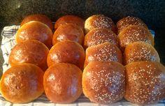 Zachte broodjes Het recept staat op: https://m.facebook.com/kokenenbakkenmetmarion/