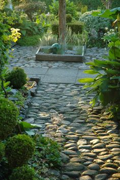 HAVETID rocks paving and raised bed