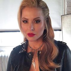 "INSTAGRAM Anastacia: ""#lookoftheday on set with @aurynofficial yesterday all thanks 2 my girls @nikki_makeup and @larazeehair  -- @Armani luminous silk foundation @Maccosmetics cherry lip liner and #rubywoo lipstick @anastasiabeverlyhills eye shadows @lillylashes 'istanbul"""