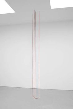 minimalism: strings from ceiling | artist / Künstler: Fred Sandback | David Zwirner, New York |