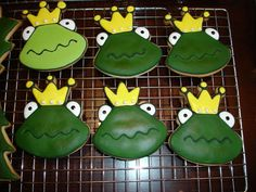 Don't kiss the Frogs cookies Frog Cookies, Sugar Cookie Frosting, Girls Camp, Baby First Birthday, Occasion Cakes, Decorated Cookies, Cookie Monster, Best Part Of Me, Cookie Decorating