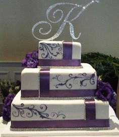 White and purple wedding cake. Square Wedding Cakes, Purple Wedding Cakes, Beautiful Wedding Cakes, Gorgeous Cakes, Pretty Cakes, Amazing Cakes, Dream Wedding, Bling Wedding, Ribbon Wedding